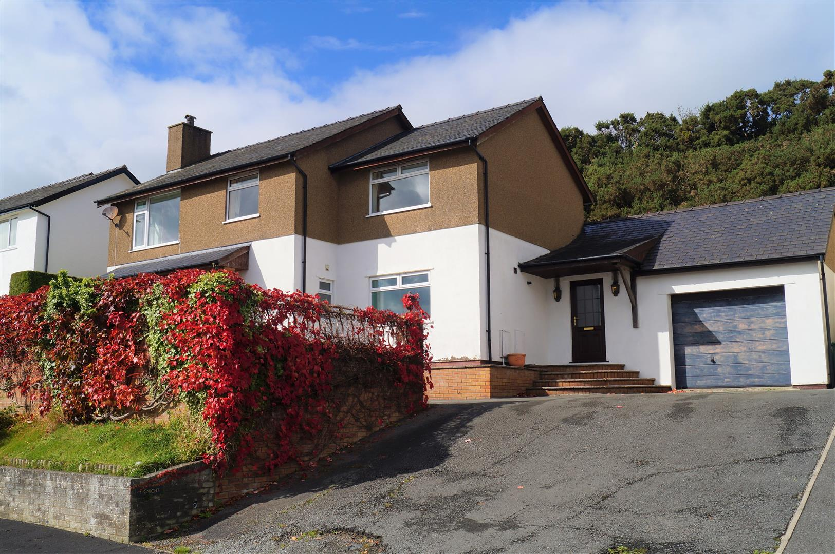 Erwenni, Pwllheli - £320,000/Reduced to